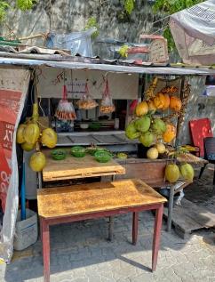 Male - Sokakta yemek tezgahları