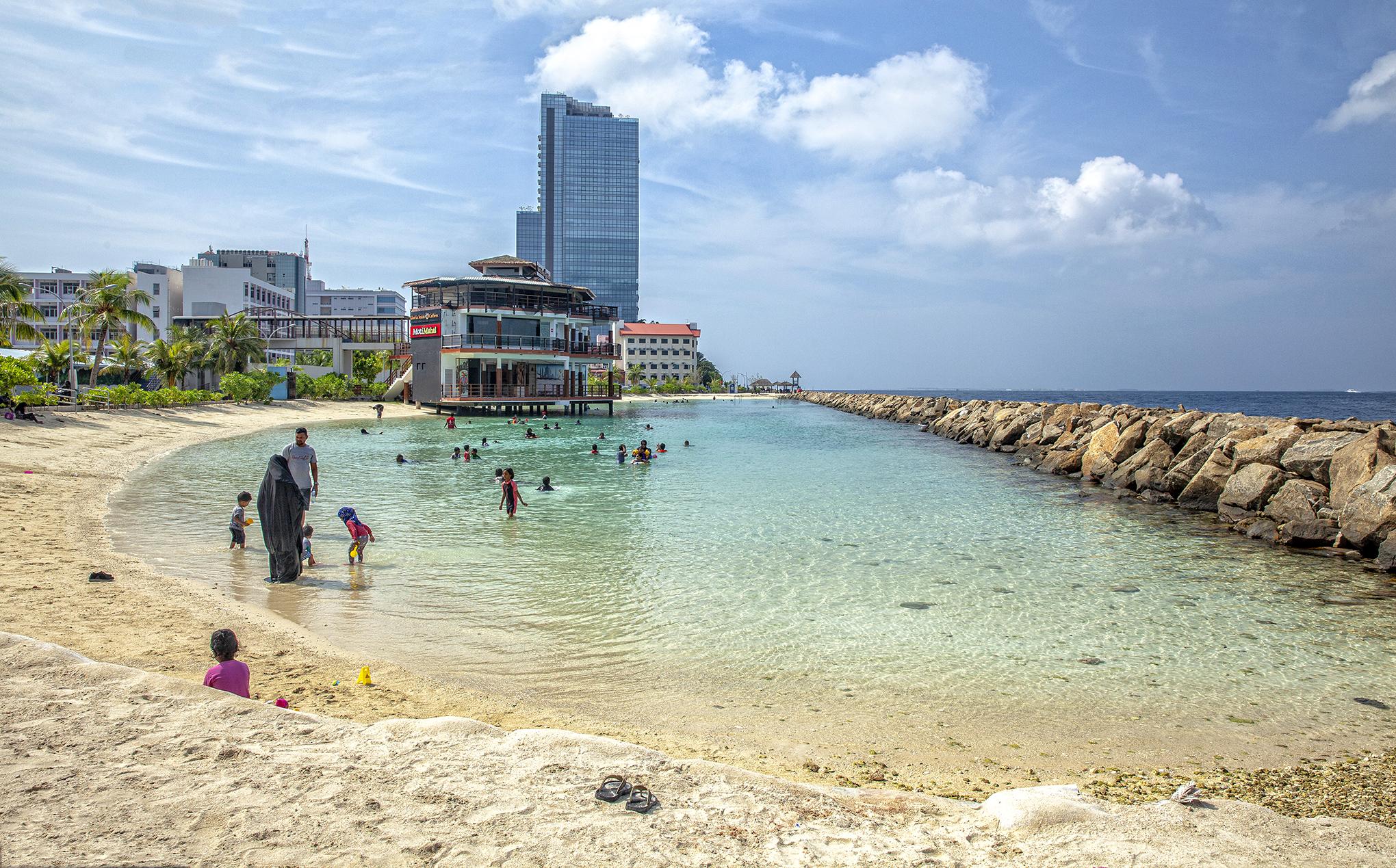Male-Rasfannu yapay halk plajı